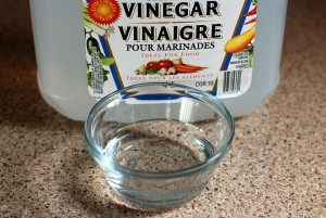 vinegar for cleaning glass